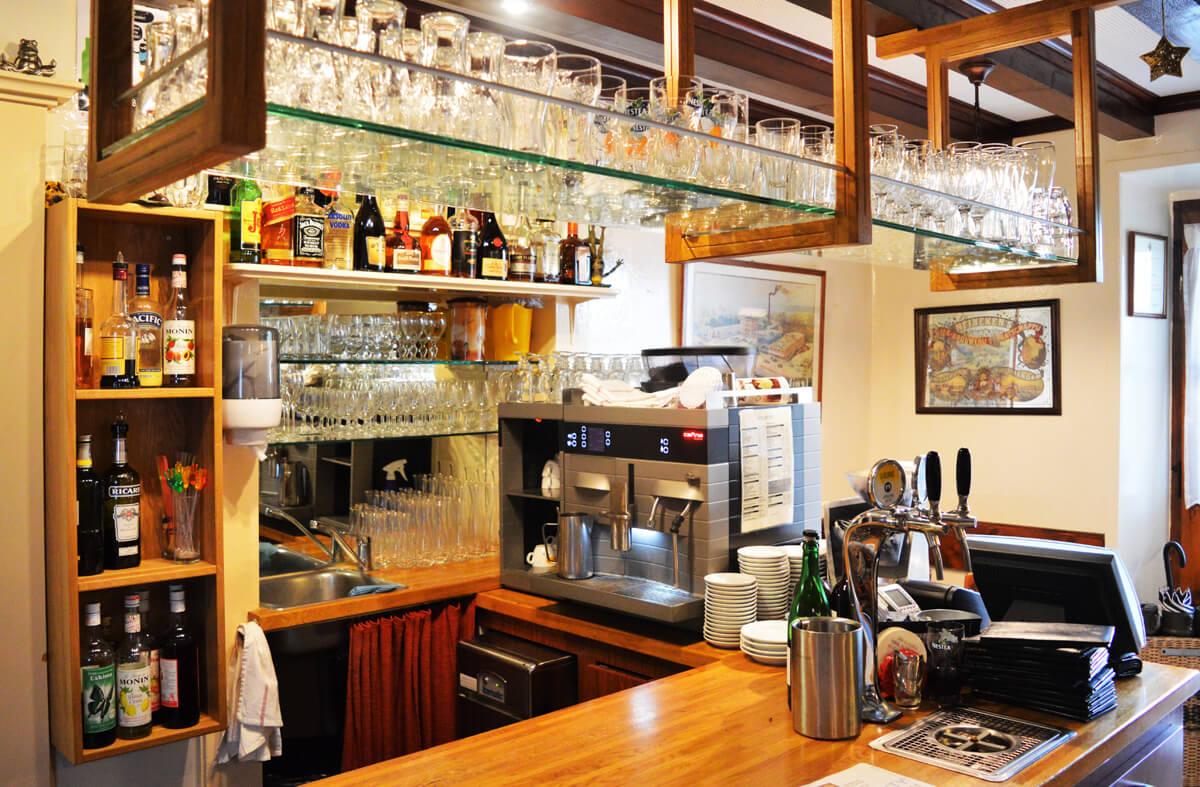 Cuisine traditionnelle filets de perches sezenove for La fontaine aux cuisines